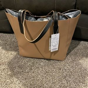FLASH SALE Tommy Bahama Reversible Tote